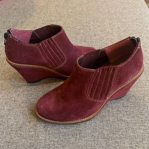 Hush Puppies Leather Suede Booties Size 7W